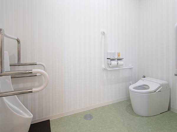 画像:多目的トイレ